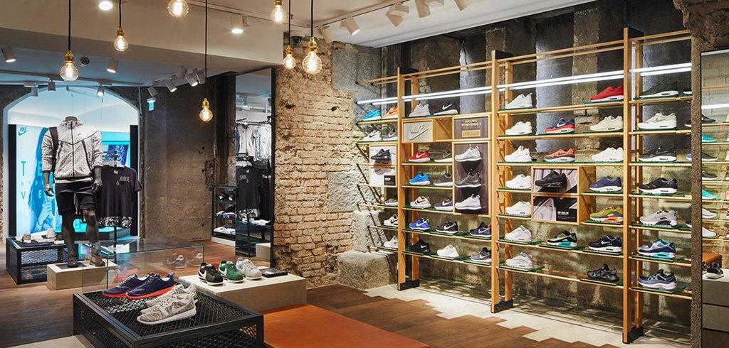Sport Münzinger setzt Sneaker in Szene